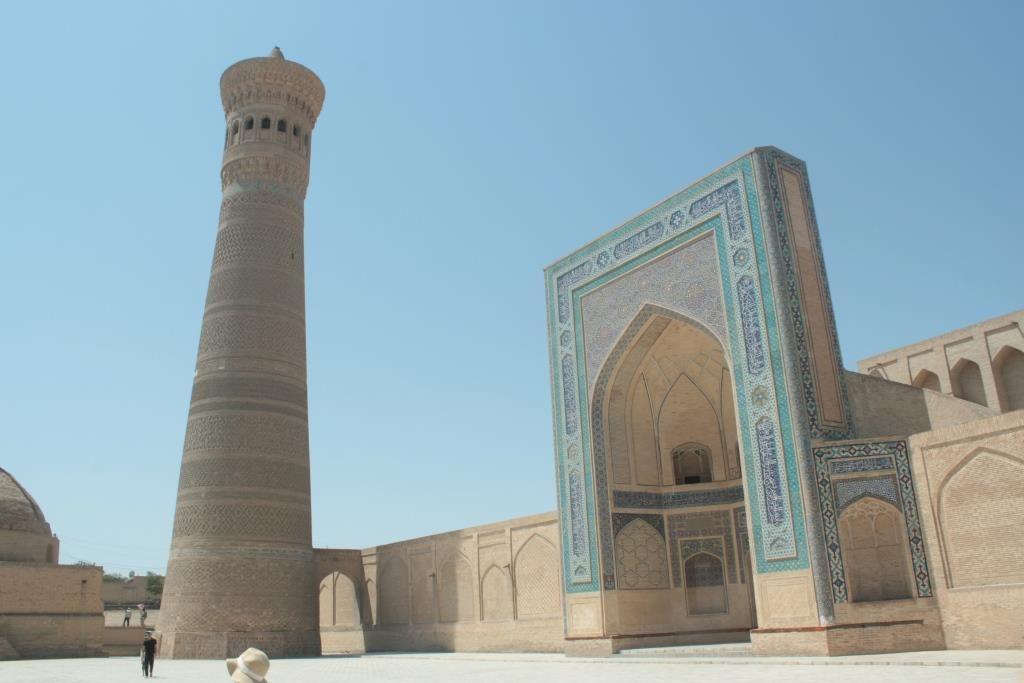 Le minaret Kalon de Boukhara, qui culmine à 48 mètres de haut. Crédit : Etienne Combier