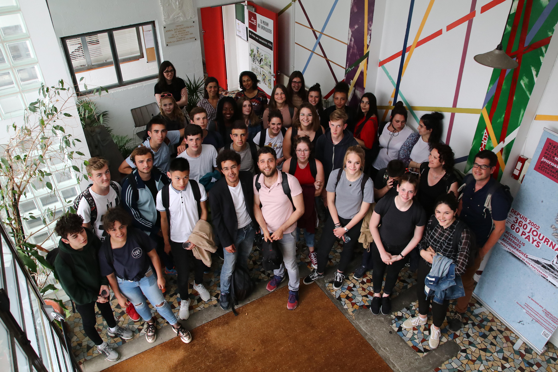 La classe de Première ESB du Lycée Marguerite de Navarre de Alençon à la Maison des journalistes © Stefano LORUSSO
